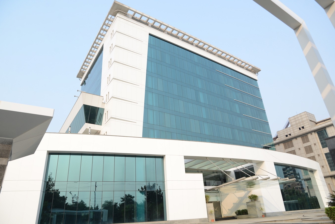 Discovery Tower Noida Sector-62